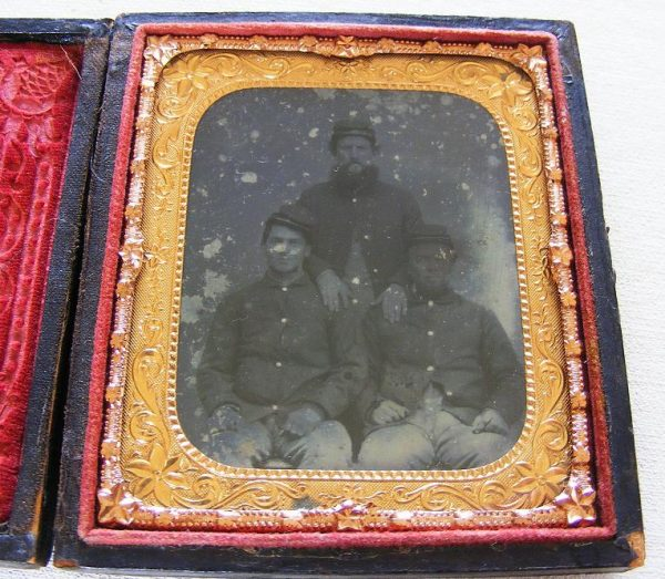 Sixth Plate Ambrotype Trio Fed.Soldiers