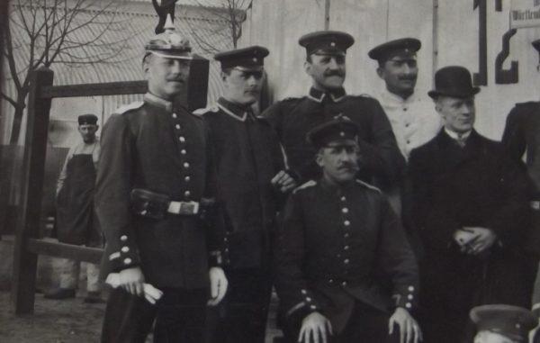 WWI 12 Soldiers Barracks